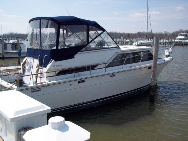 Trojan 36 Tri-Cabin Motor Yachts. Listing Number: M-3577810 36' Trojan 36 .