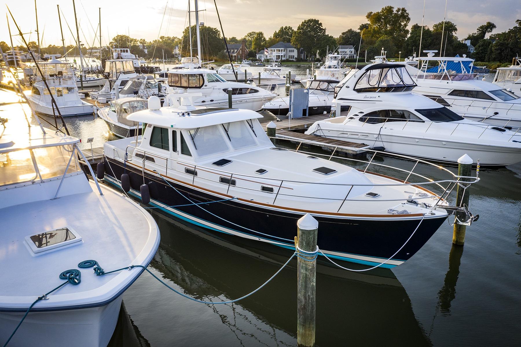 Miraculous 2016 Sabre 48 Salon Express Yacht For Sale Delta V Si Yachts Beatyapartments Chair Design Images Beatyapartmentscom