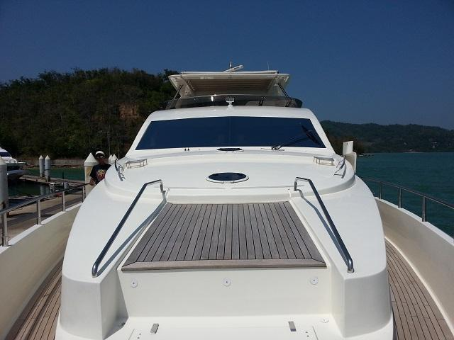 Aicon 85 Flybridge Top