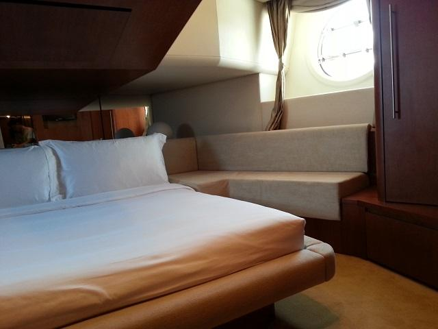 Aicon 85 Flybridge Cabins