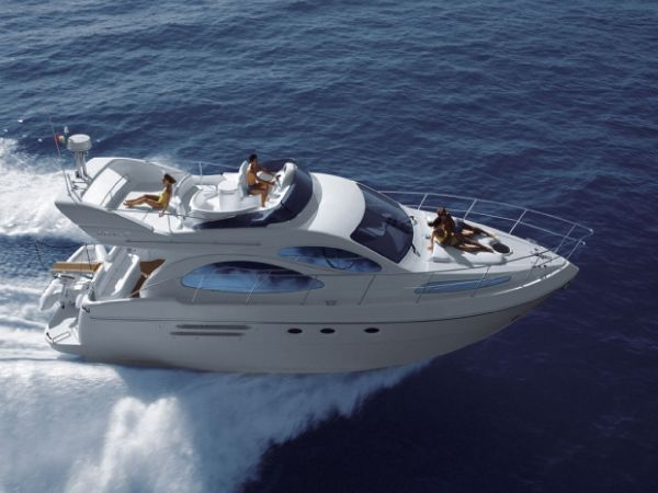 Azimut 46 E. Length: 14.02 meter. Model Year: 2007. Price: €520000