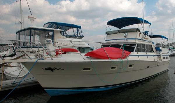 Boat broker sales in rhode island new york new jersey for Viking 43 double cabin motor yacht