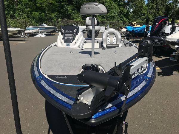2020 Nitro boat for sale, model of the boat is Z19 & Image # 4 of 48