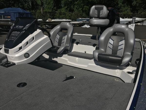 2020 Nitro boat for sale, model of the boat is Z19 & Image # 5 of 48
