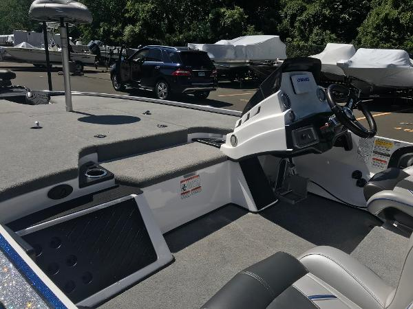 2020 Nitro boat for sale, model of the boat is Z19 & Image # 6 of 48