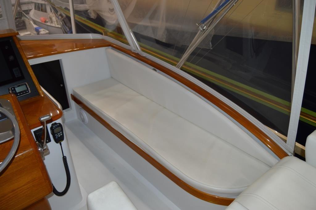 Flybridge Seating - Starboard