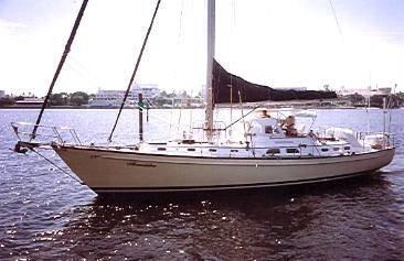 53' Hinckley 1973 53 Cutter