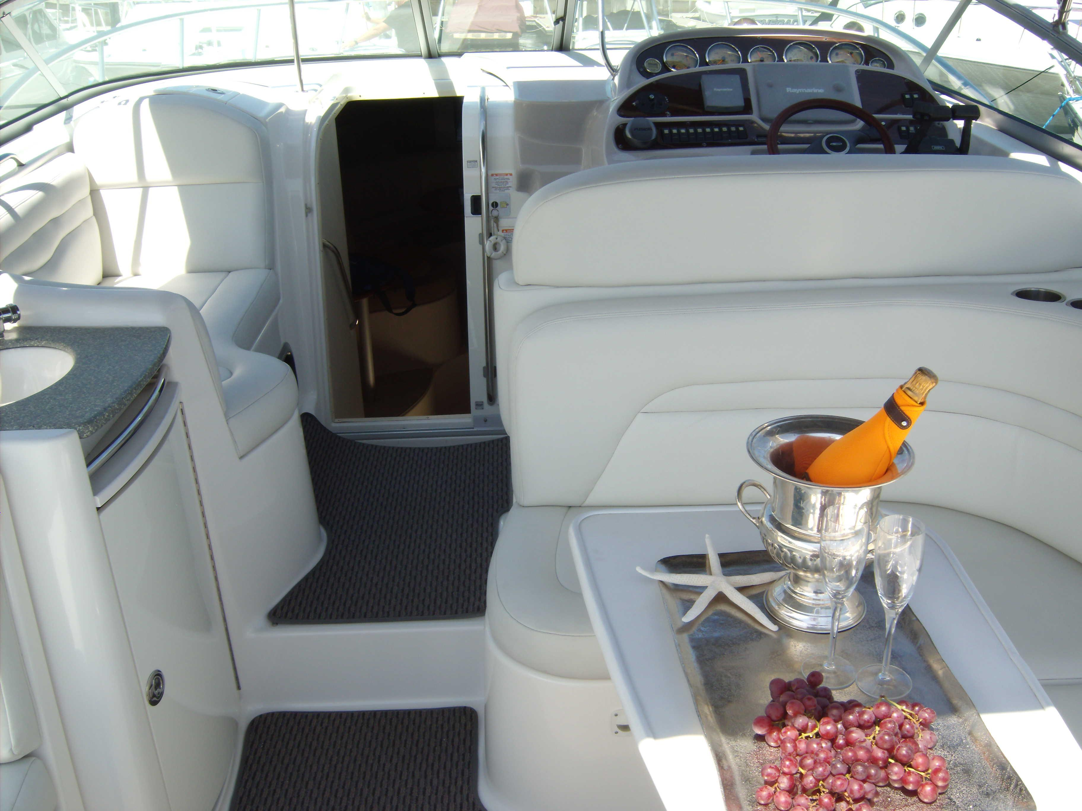 Starboard Cockpit Table And Seating