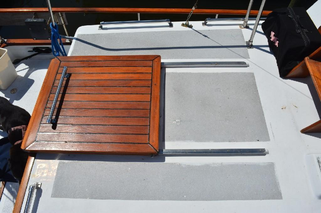Marine Trader 36 DOUBLE CABIN - Aft Companionway