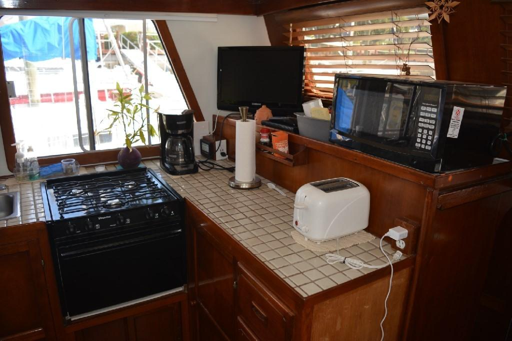 Marine Trader 36 DOUBLE CABIN - Galley 2