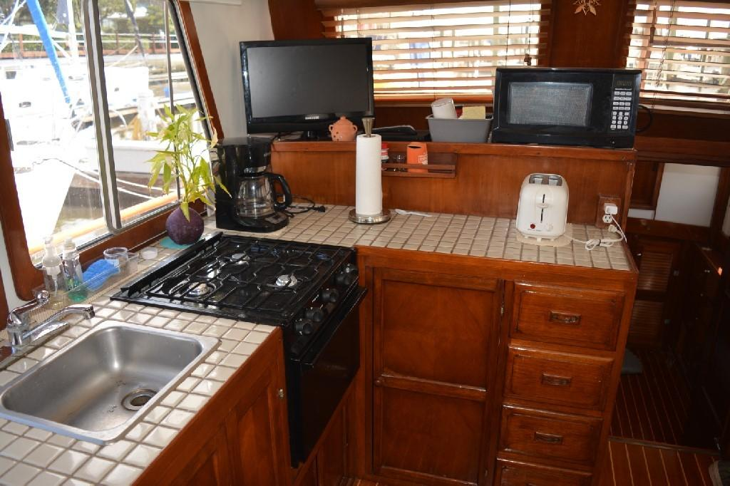 Marine Trader 36 DOUBLE CABIN - Galley 1