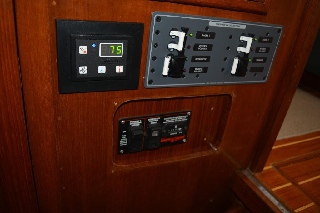 Marine Trader 36 DOUBLE CABIN - Upgraded Wiring