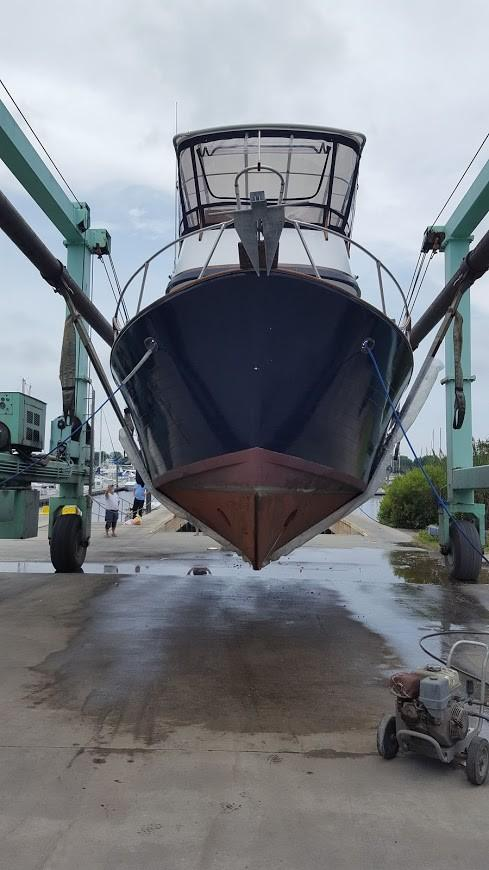 Marine Trader 36 DOUBLE CABIN - At Haul