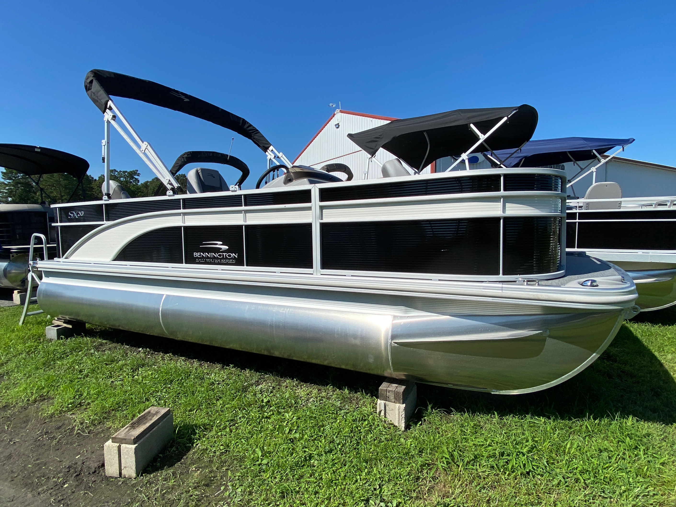 2020 Bennington boat for sale, model of the boat is 20 SFX & Image # 1 of 9