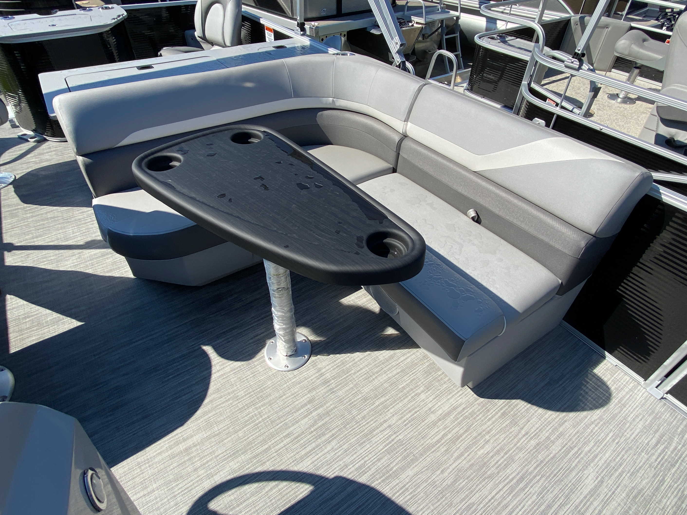 2020 Bennington boat for sale, model of the boat is 20 SFX & Image # 4 of 9