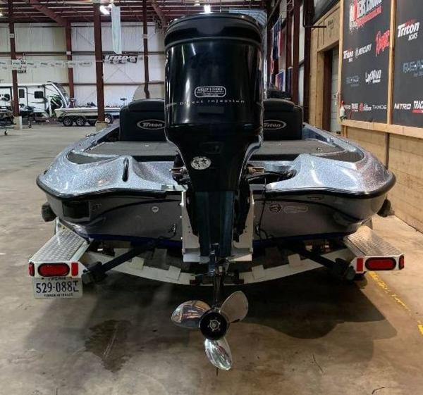 2008 Triton boat for sale, model of the boat is TR-186 & Image # 3 of 10