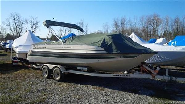 1998 Sun Tracker boat for sale, model of the boat is Party Deck 21 & Image # 6 of 11