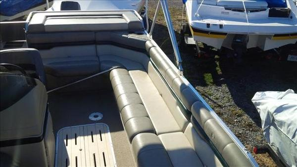 1998 Sun Tracker boat for sale, model of the boat is Party Deck 21 & Image # 11 of 11