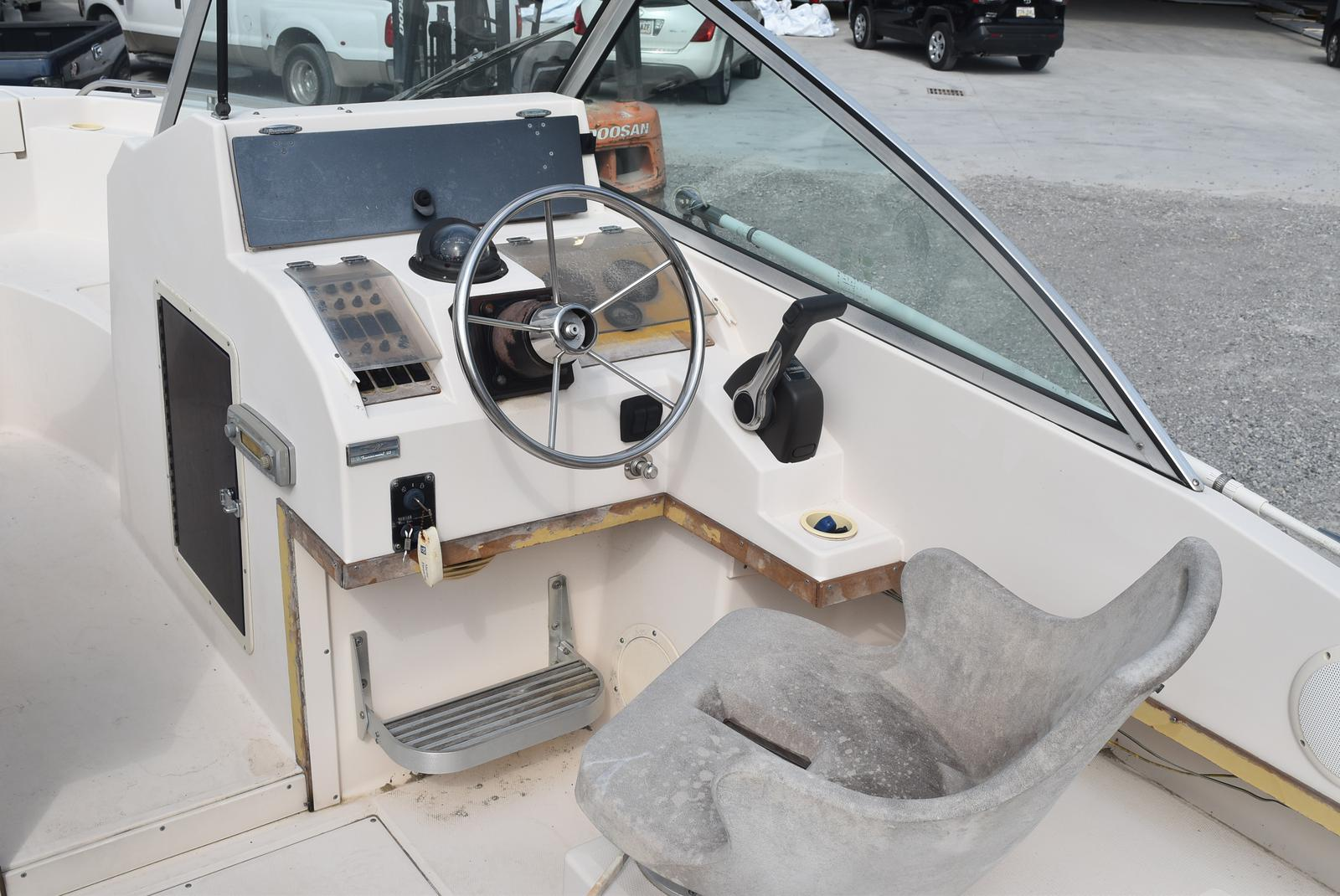 1993 Grady-White boat for sale, model of the boat is 22 & Image # 6 of 10