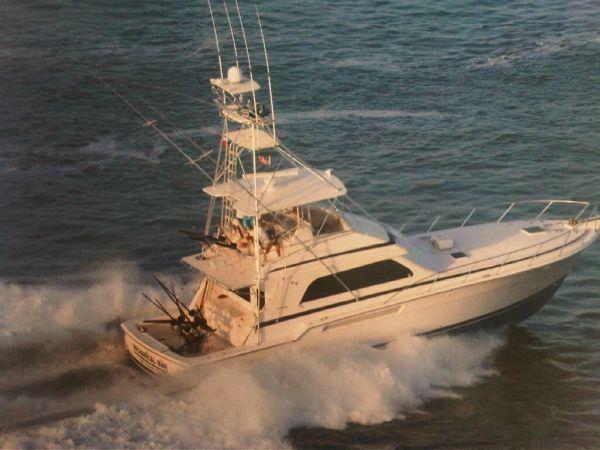 Bertram 54 Convertible Sports Fishing Boats. Listing Number: M-3587917