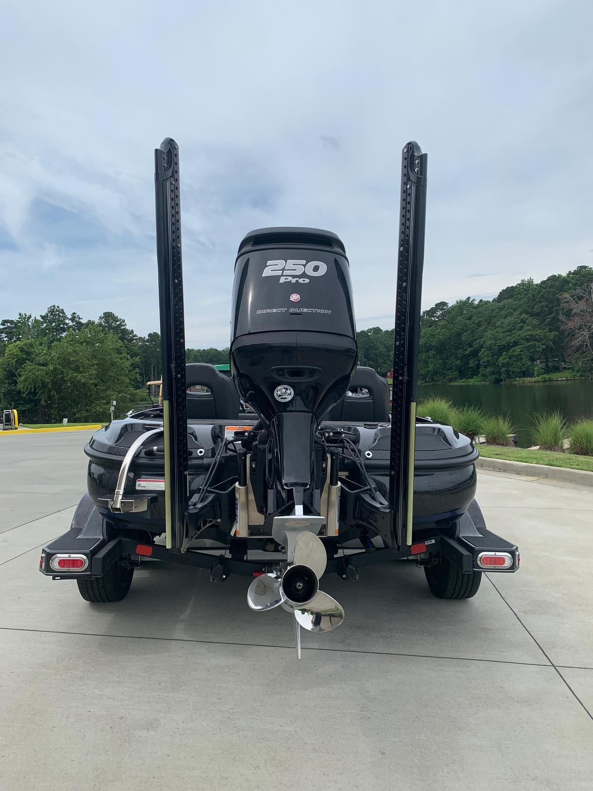 2018 Nitro boat for sale, model of the boat is Z20 & Image # 24 of 32