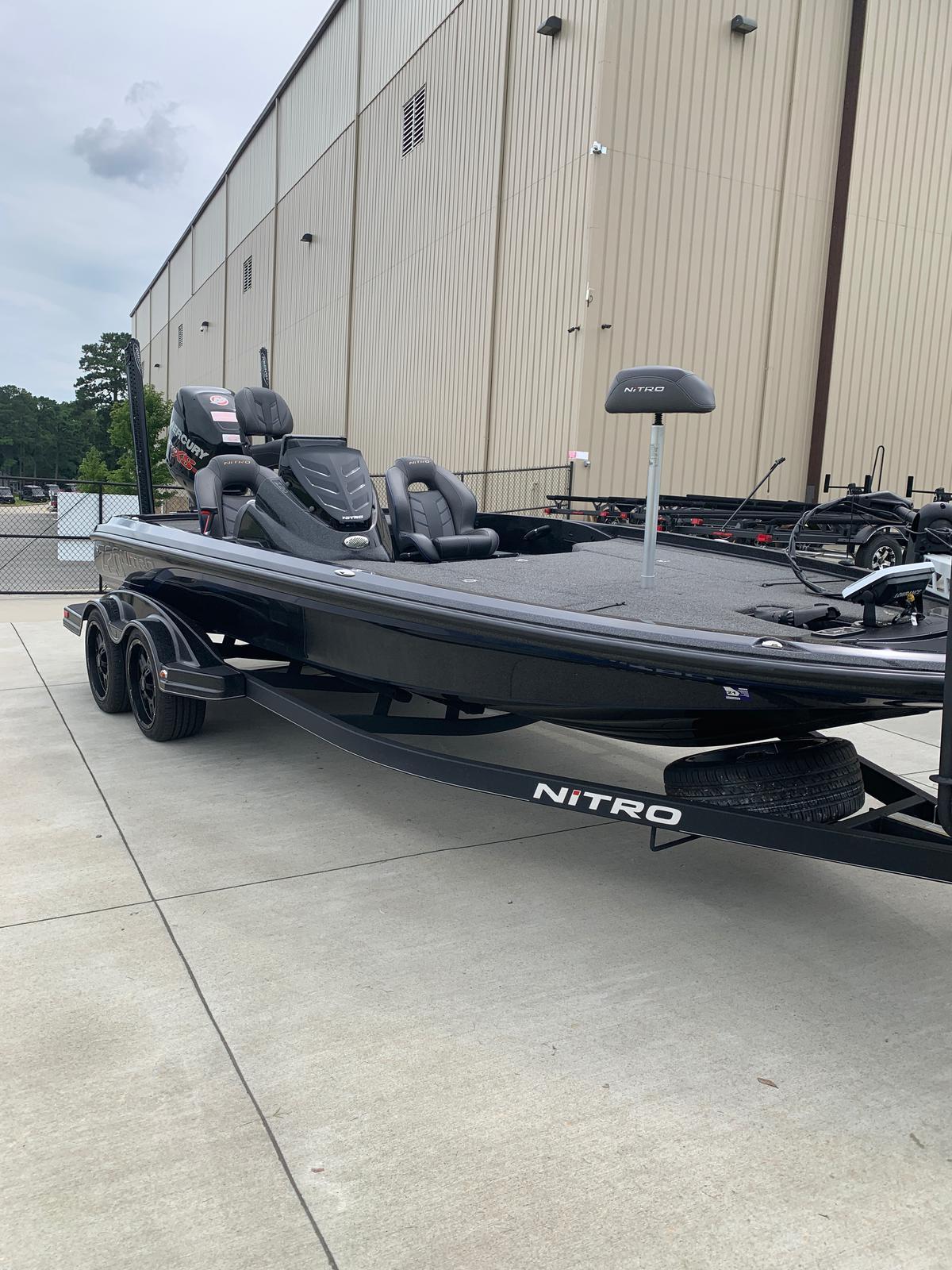 2018 Nitro boat for sale, model of the boat is Z20 & Image # 27 of 32