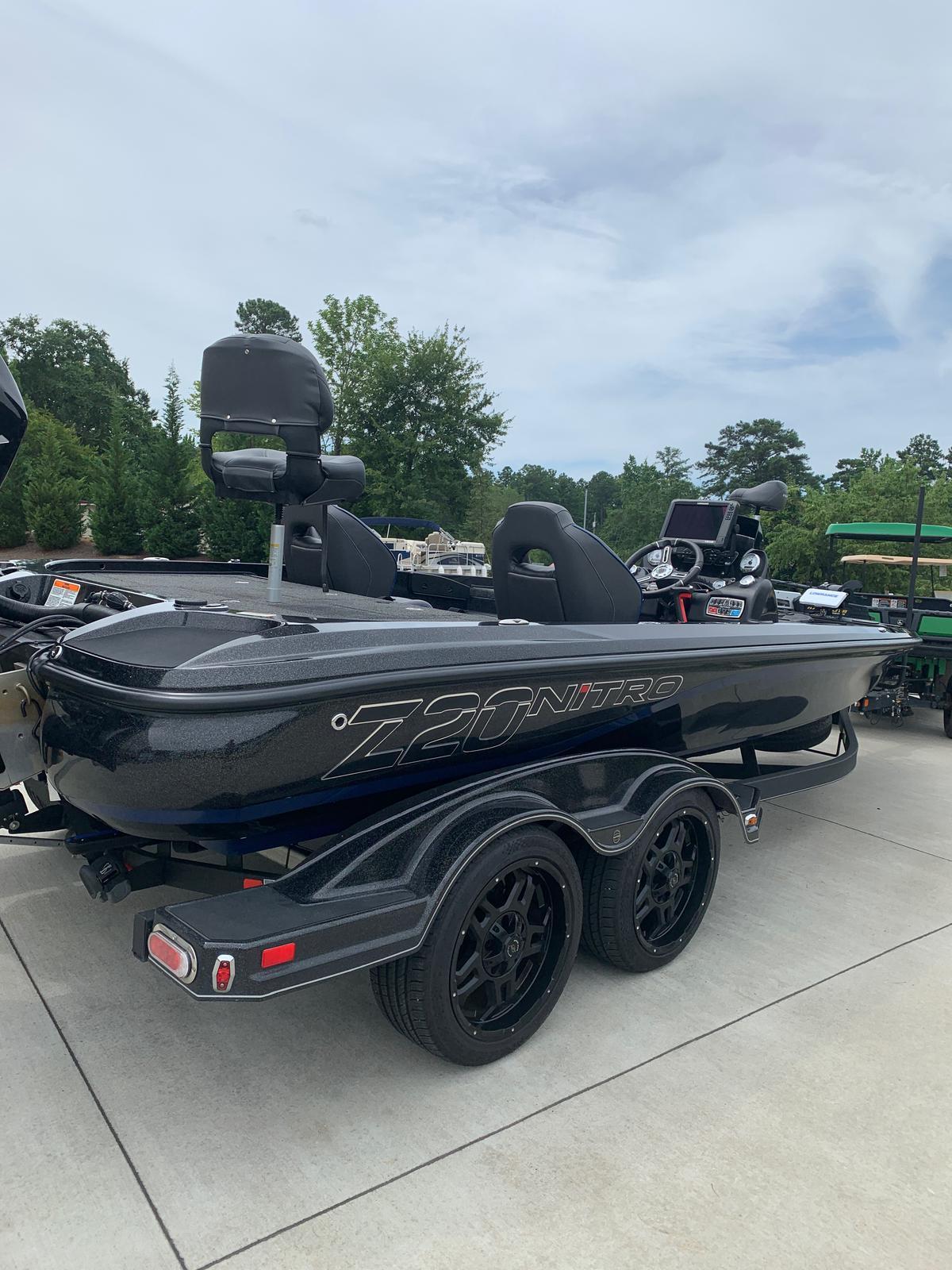 2018 Nitro boat for sale, model of the boat is Z20 & Image # 7 of 32