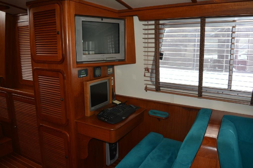 Cherubini Independence - Salon Office