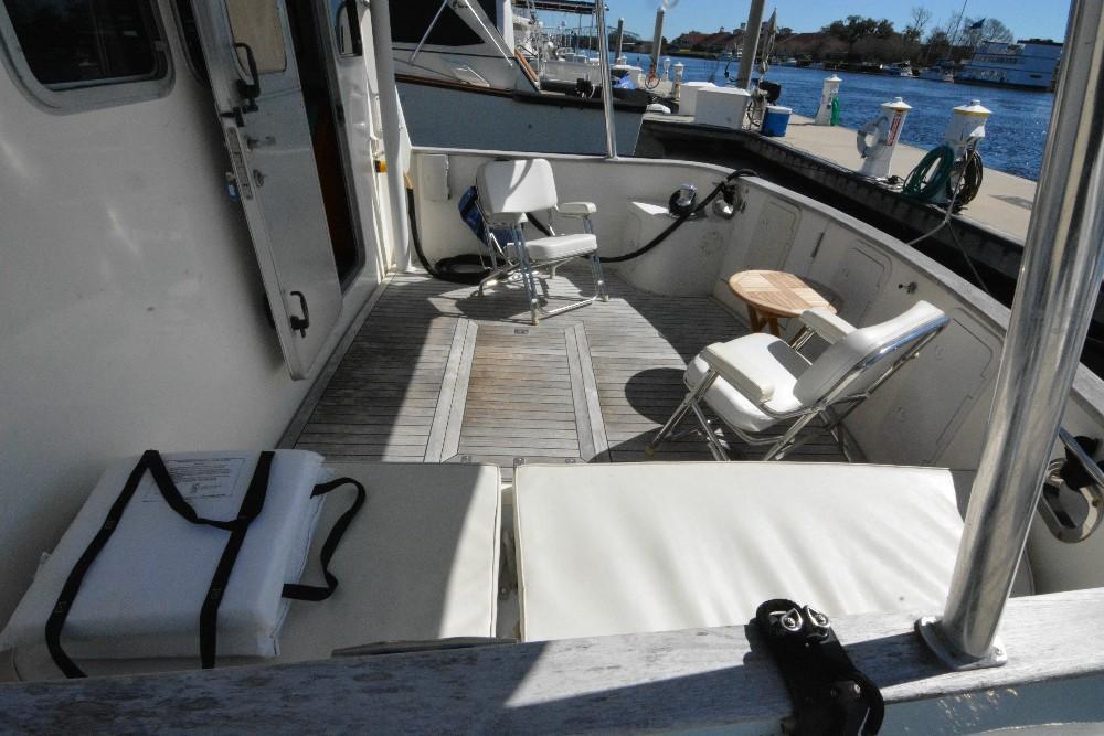 Cherubini Independence - Cockpit to Starboard