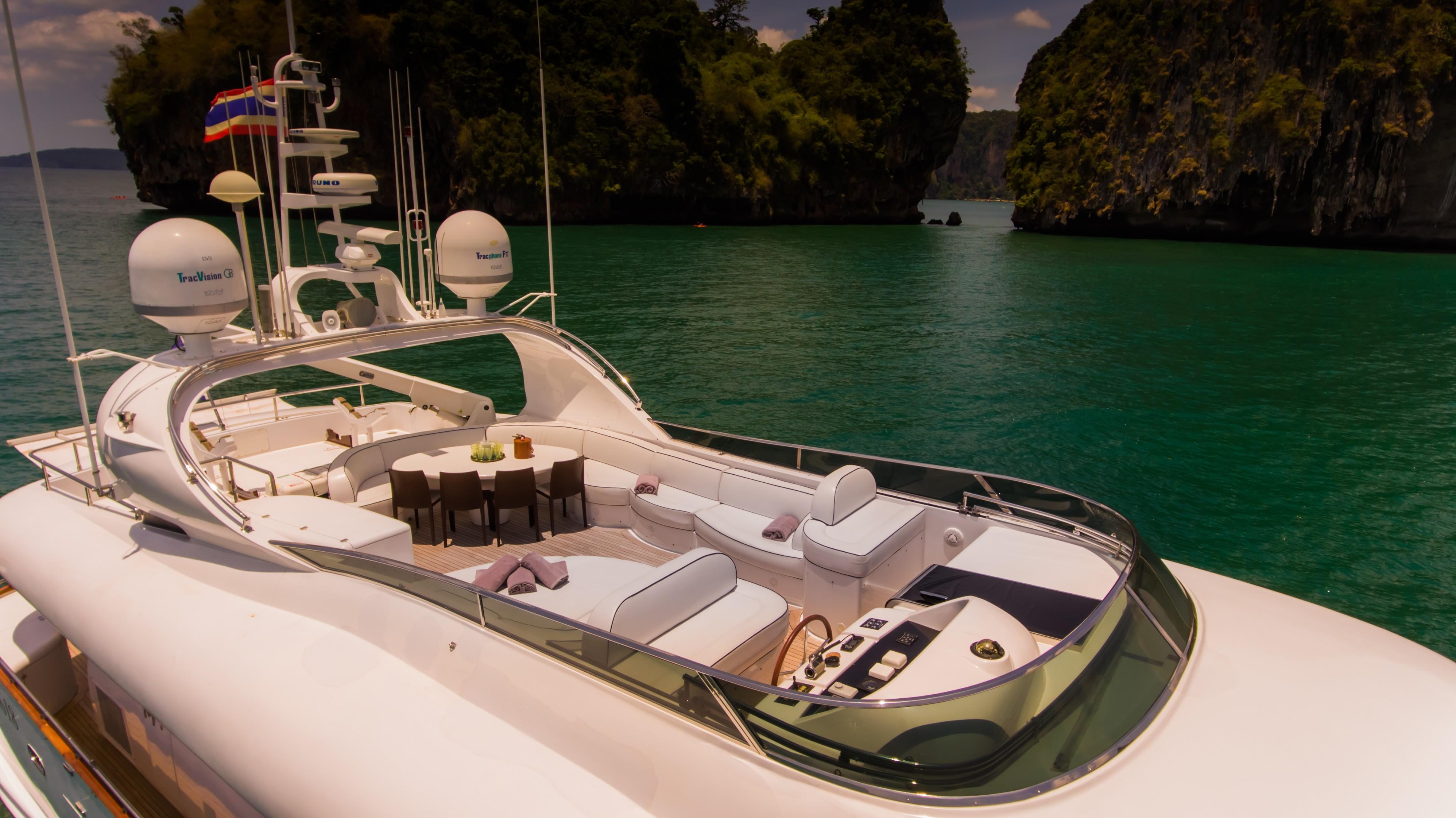 31DP Motor Yacht-7