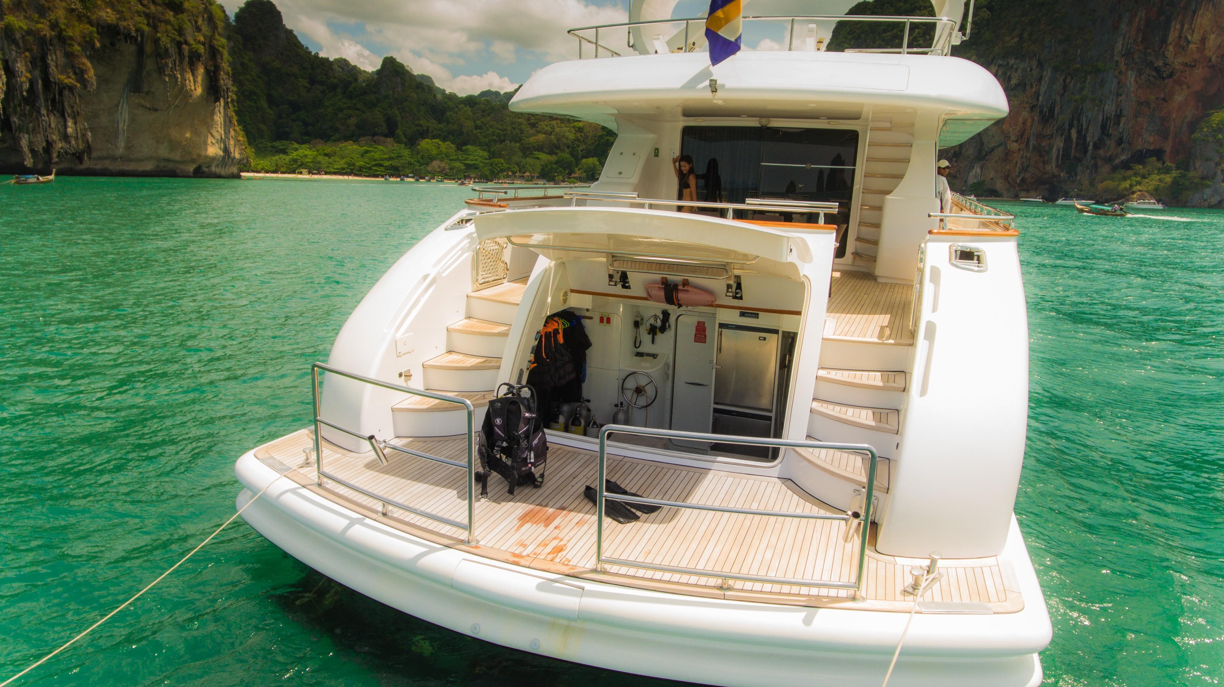 31DP Motor Yacht-5