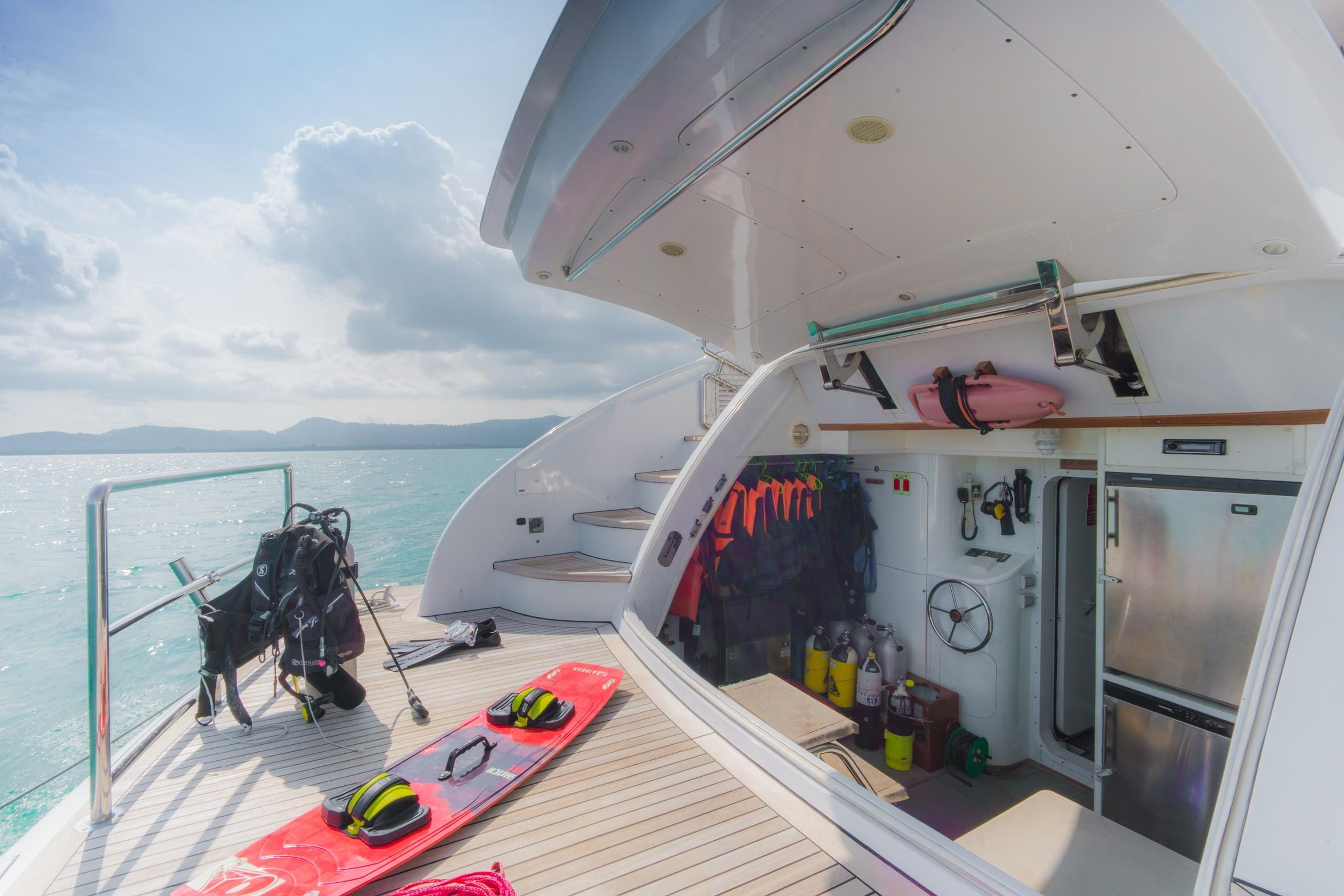 31DP Motor Yacht-6