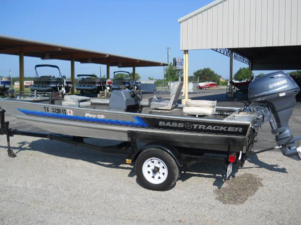 1991 Tracker Boats boat for sale, model of the boat is Pro 16 & Image # 3 of 5
