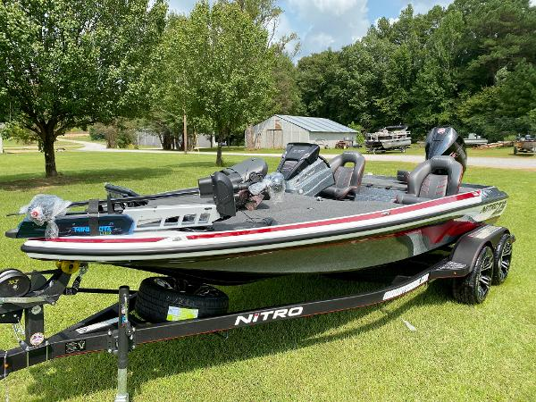 2021 Nitro boat for sale, model of the boat is Z19 Pro & Image # 6 of 17