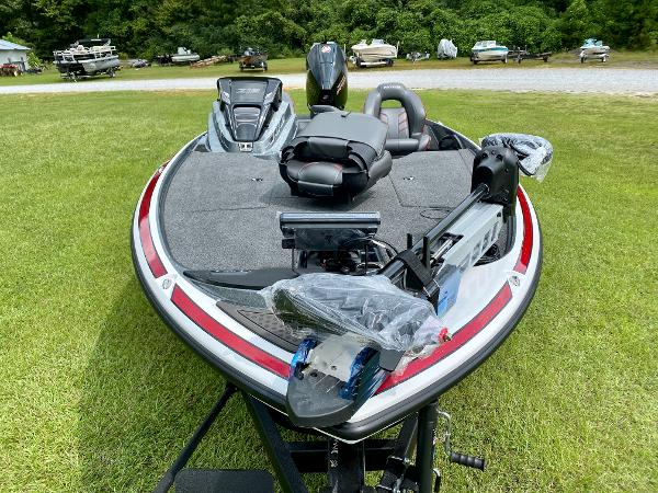 2021 Nitro boat for sale, model of the boat is Z19 Pro & Image # 7 of 17