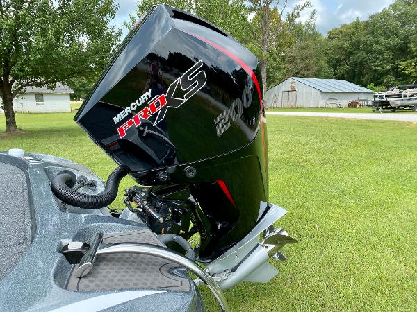 2021 Nitro boat for sale, model of the boat is Z19 Pro & Image # 8 of 17