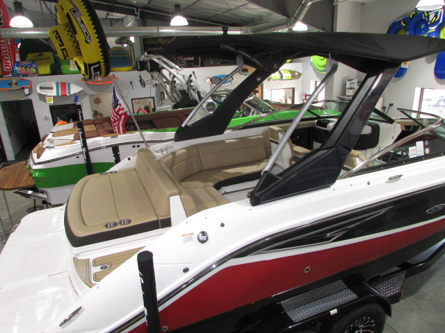 2020 Sea Ray boat for sale, model of the boat is 250 SLX & Image # 7 of 14