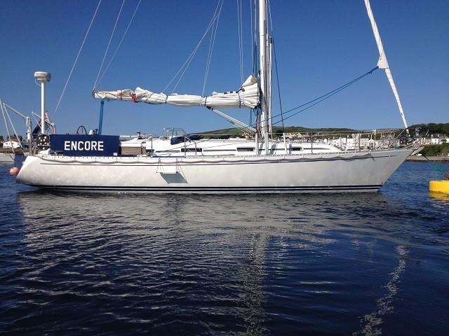 Starlight 39 - Deep fin keel