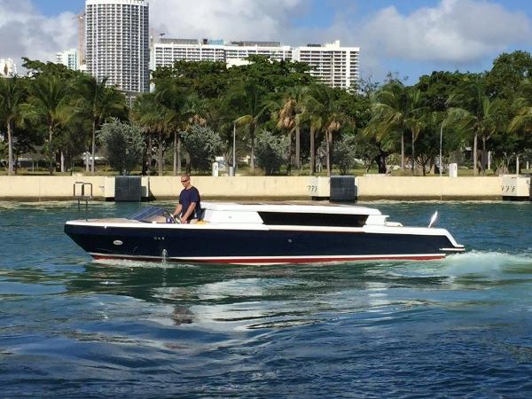 2006 29' Royal Denship Limo Tender
