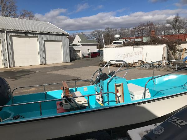 1988 BOSTON WHALER 17 MONTAUK for sale