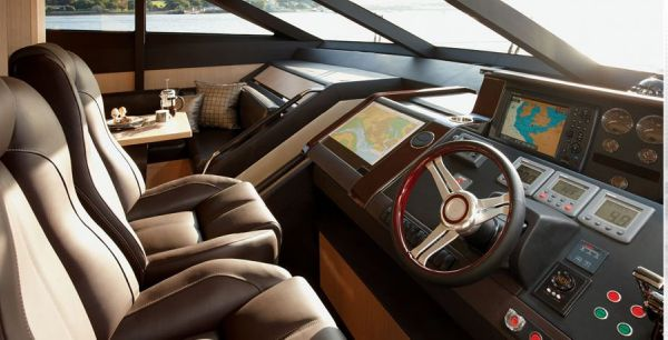 Helm Station - Princess 78 Motor Yacht