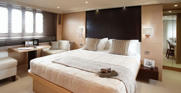 Owner Cabin - Princess 78 Motor Yacht