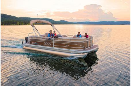2020 Sun Tracker boat for sale, model of the boat is Party Barge 22 DLX & Image # 4 of 15