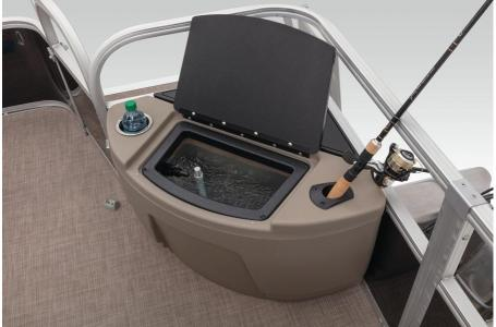 2020 Sun Tracker boat for sale, model of the boat is Fishing Barge 20 DLX & Image # 12 of 48