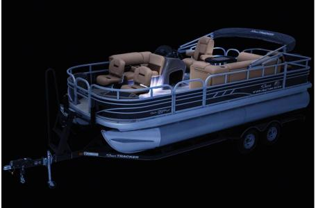 2020 Sun Tracker boat for sale, model of the boat is Fishing Barge 20 DLX & Image # 26 of 48
