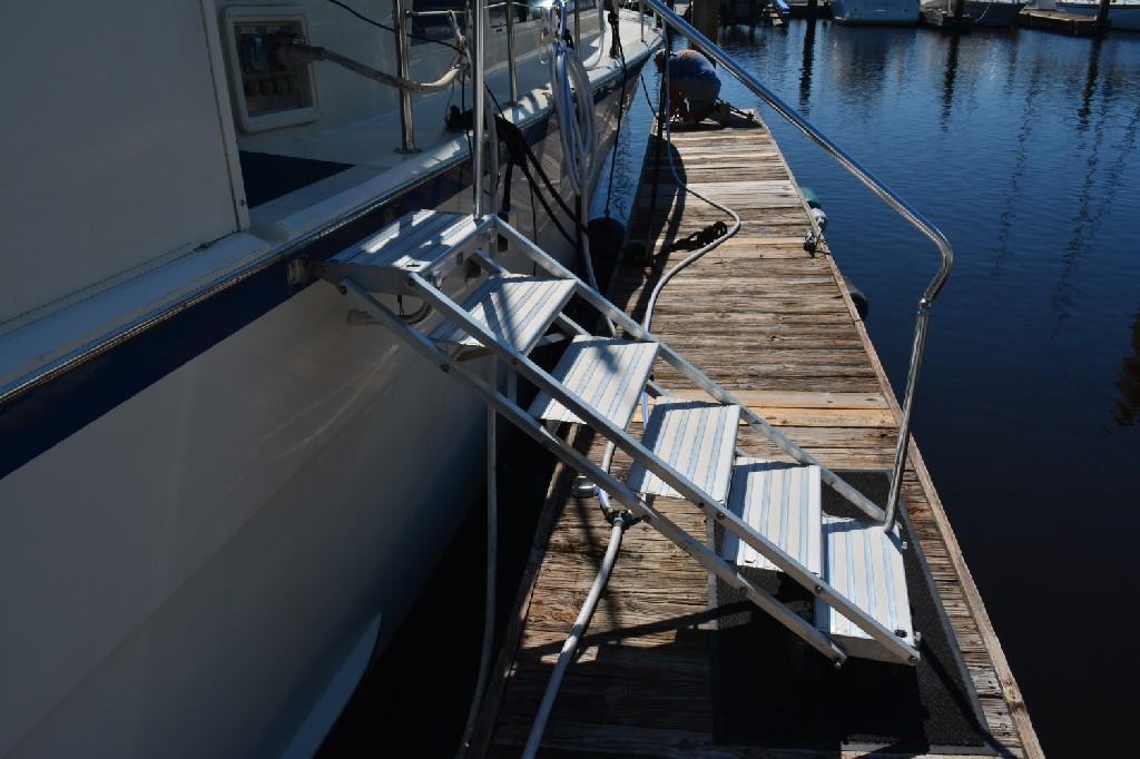 Hatteras 43 Motor Yacht - Boarding Ladder