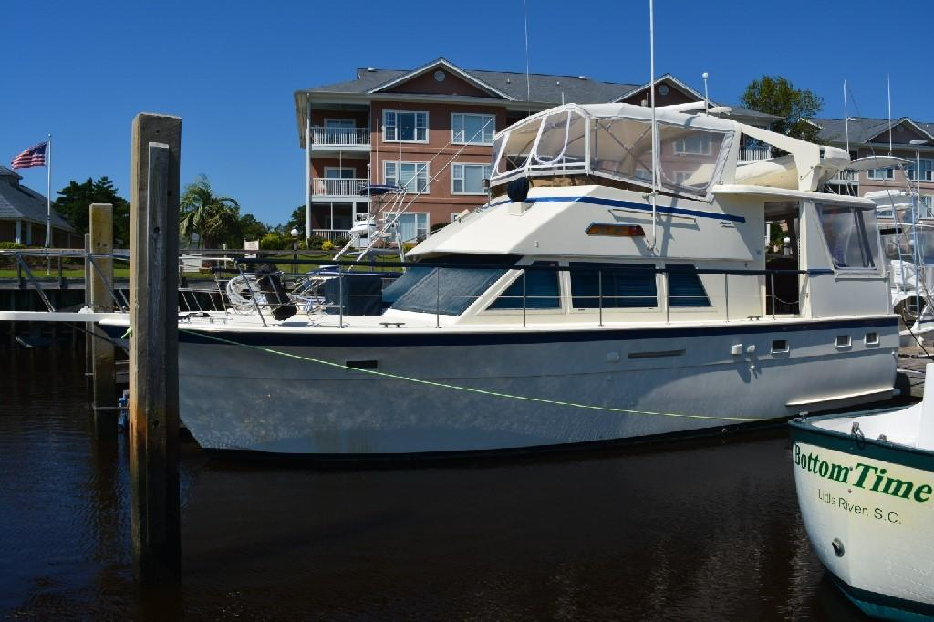 Hatteras 43 Motor Yacht - Port View