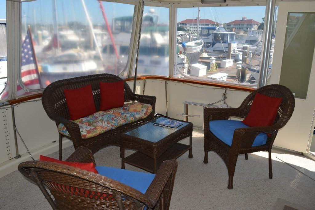 Hatteras 43 Motor Yacht - Aft Deck to Port