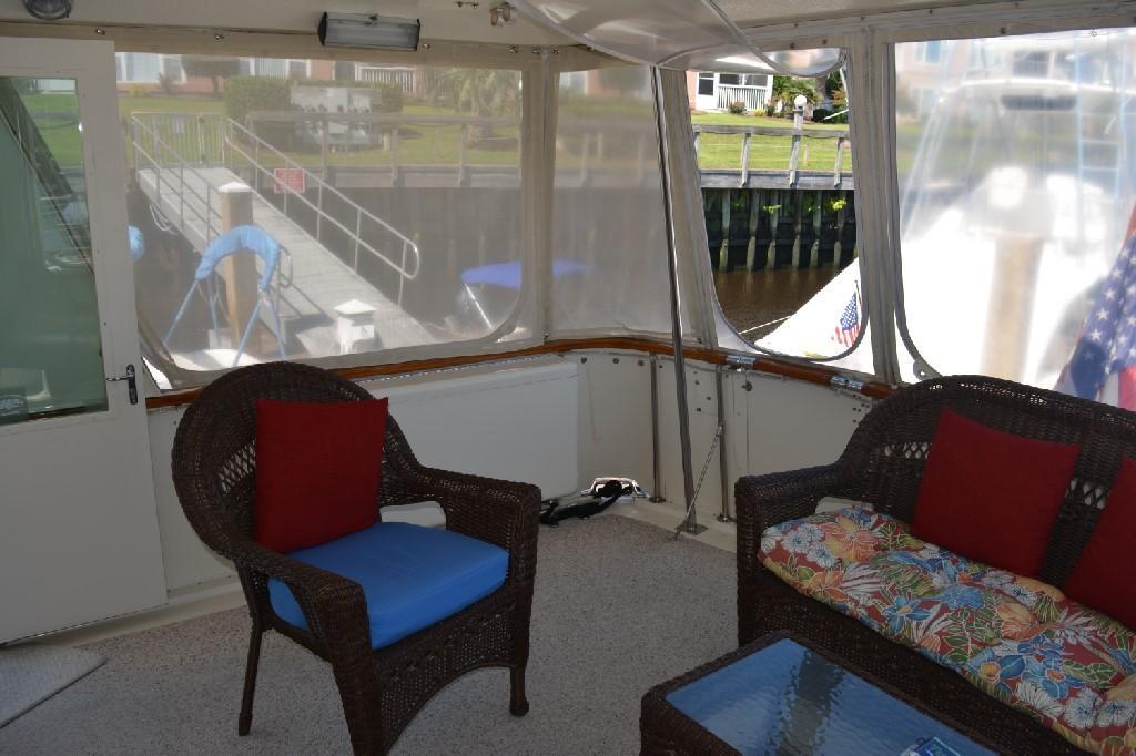 Hatteras 43 Motor Yacht - Aft Deck to Starboard
