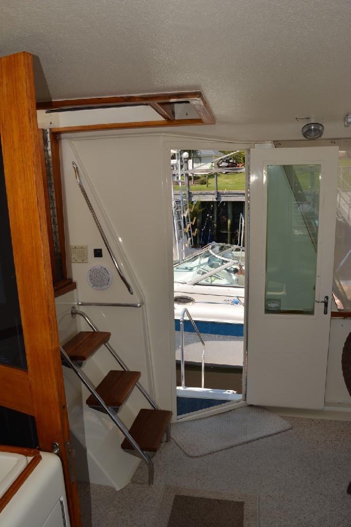 Hatteras 43 Motor Yacht - Starboard Entrance